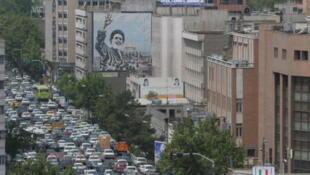 Embouteillage sur l'avenue Beheshti à Téhéran.