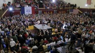 Comício da candidata democrata Hillary Clinton  em Council Bluffs, Iowa 31 de janeiro de 2016