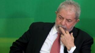 L'ancien président brésilien Lula est favori dans les sondages pour la présidentielle de cet automne.