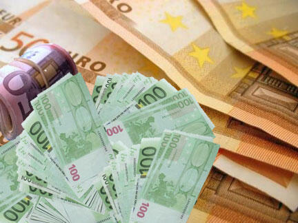 Tiền giả mệnh giá 50 và 100 euro.