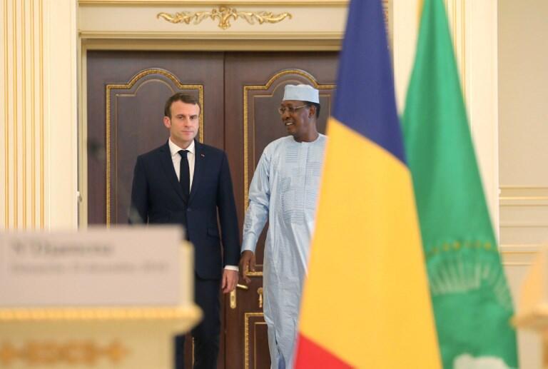 Rais wa Ufaransa, Emmanuel Macron akiwa na rais wa Chad, Idriss Déby, hapa ilikuwa mwaka 2018