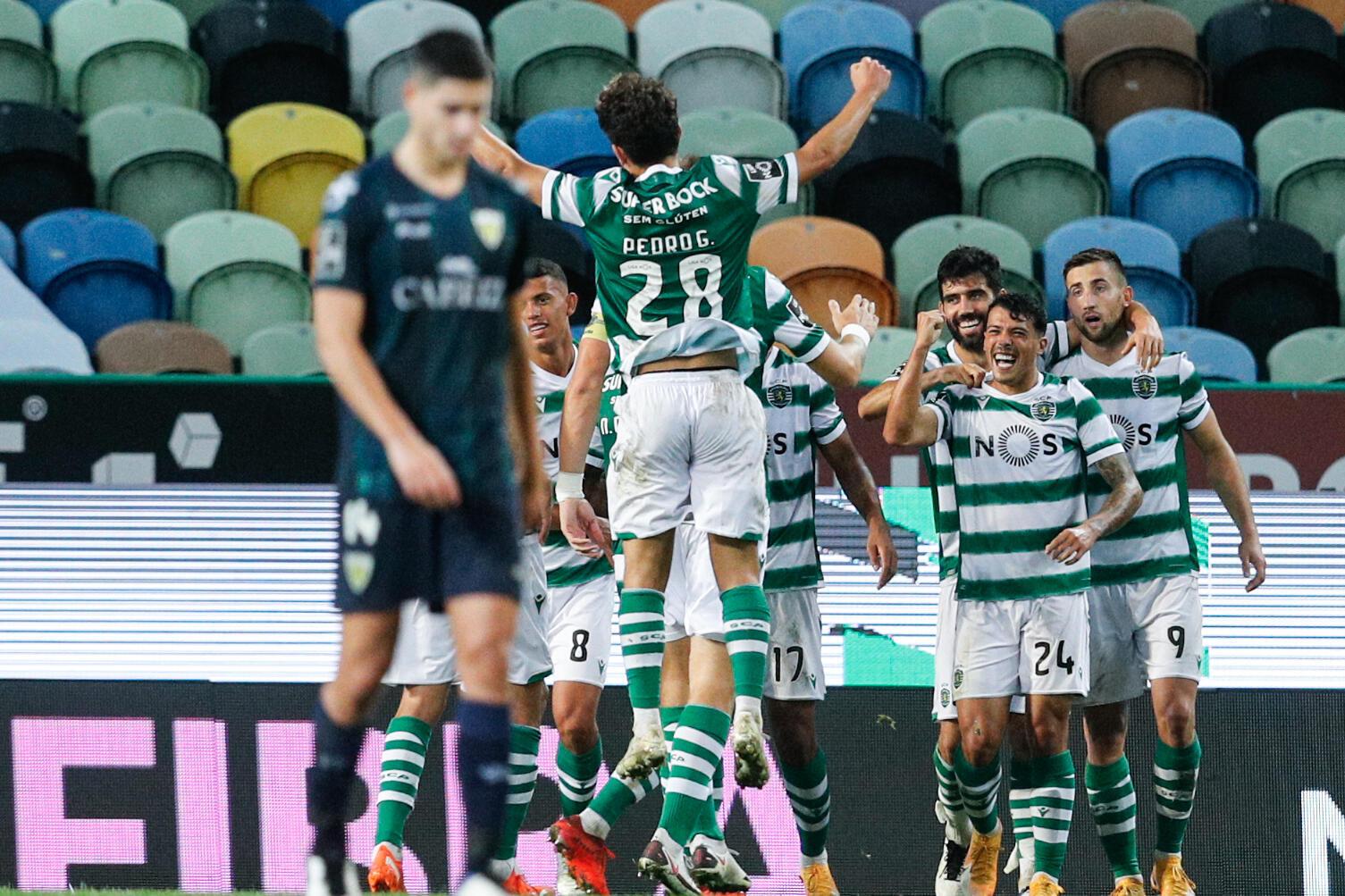 O Sporting CP é líder do campeonato após o triunfo por 4-0 frente ao Tondela.