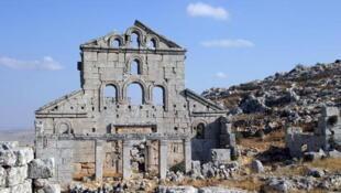 90% de l'héritage culturel syrien se trouvent en zones de combats et de nombreux sites archéologiques sont pillés. (Photo: villages antiques du nord de la Syrie).