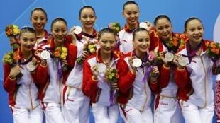 美国在伦奥重夺京奥失落的奖牌榜首位,而中国则以87面奖牌居第二位。