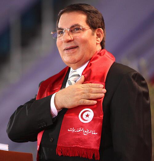 После 23 лет правления президент Туниса Бен Али был вынужден бежать из страны и окончил свои дни в Саудовской Аравии