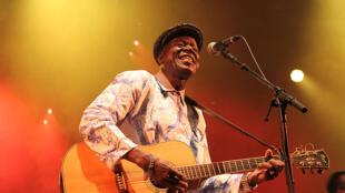 Boubacar Traoré au festival Musiques Métisses 2015.