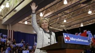 Hillary Clinton à la fin de son discours, dans la foulée de l'annonce des résultats, qui la donnent gagnante en Caroline du Sud. Photo datée du 27 février 2016.