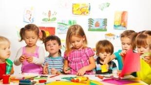 سن آموزش عمومی اجباری در فرانسه از شش سال به سه سال کاهش یافت