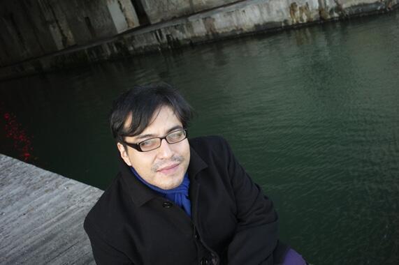 El escritor ecuatoriano César Vásconez, autor de 'Tierra tres veces maldita', Saint-Nazaire, Francia, 2015.