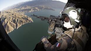 Soldado do exercito francês da base de Naghlu, em missão no Afeganistão, .