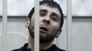 Zaur Dadayev no tribunal de Moscou ao ser acusado pela morte do opositor russo Boris Nemtsov neste 8 de março de 2015.