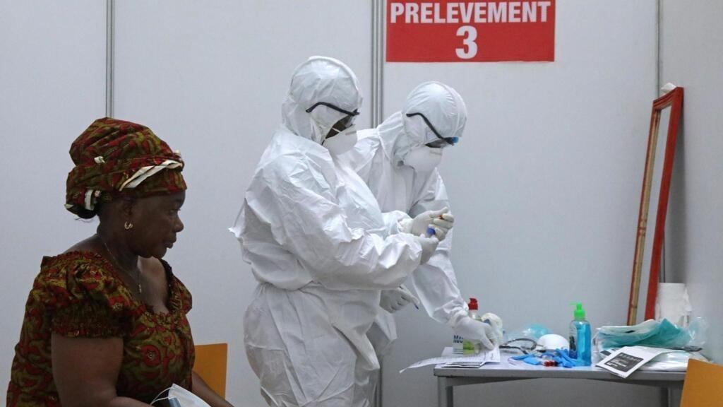 Côte d'Ivoire: des usagers du transport aérien bloqués faute de résultats aux tests Covid