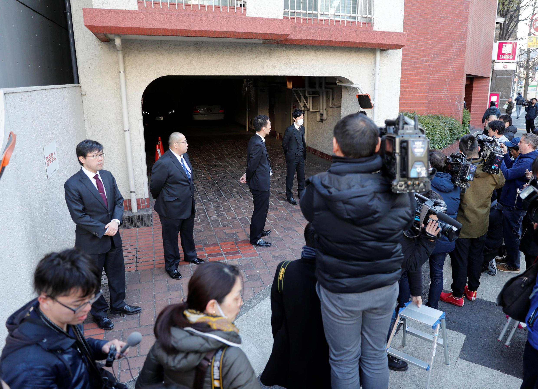 2019年4月4日,日本检察机关再次宣布逮捕前日产集团董事长戈恩.当日,许多媒体记者围在戈恩东京寓所门外。