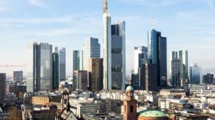 Les villes allemandes - comme ici Francfort - sont touchées par la précarisation du travail.