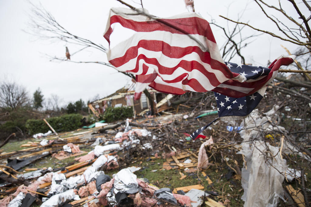 Estados Unidos: violentos tornados provocam mortes em vários estados.