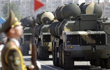 Tên lửa phòng không S-300 do Nga chế tạo - Reuters