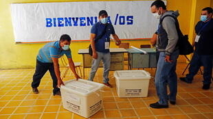 2021-02-28T022826Z_256577772_RC2E1M9D9QUE_RTRMADP_3_EL-SALVADOR-ELECTION