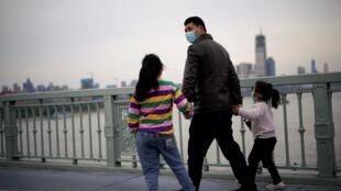 À Wuhan, épicentre de l'épidémie du coronavirus en Chine, la quarantaine drastique prend fin, le 28 mars 2020.