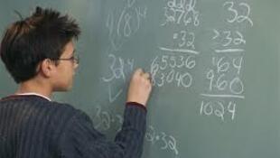 O Brasil ocupa o 38° lugar de uma lista de 44 países avaliados na pesquisa sobre a capacidade em solucionar problemas matemáticos da vida cotidiana.
