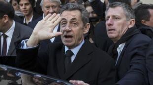 前法國總統薩科齊11月29日參加人民運動聯盟的投票