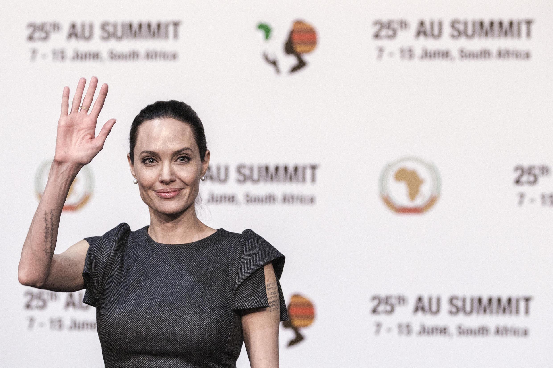 Angelina Jolie, daya daga cikin jaruman masana'antar Hollywood da ke zargin Weinstein da cin zarafinsu.