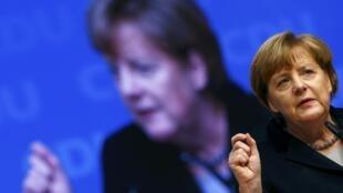 Thủ tướng Angela Merkel phát biểu về vấn đề nhập cư tại Đại hội đảng CDU hôm 14/12/2015 tại Karlsruhe.