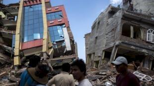 Kimbunga chenye ukubwa wa kipimo cha Richter 7.4 kimepiga katika mji mkuu wa Nepal Kathmandu.