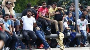 Người tị nạn đang chờ vượt biên giới Áo-Đức ngày 17/07/2015. Bulgari cũng đang sợ làn sóng tị nạn sẽ đổ đến nước này.