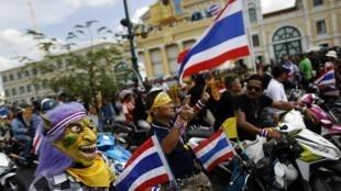 Manifestantes contra o governo reunidos em Bangcoc, nesta quinta-feira, 28/11/2013.