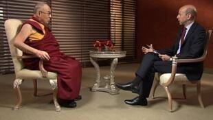 西藏精神领袖达赖喇嘛接受法国24小时电视台独家专访