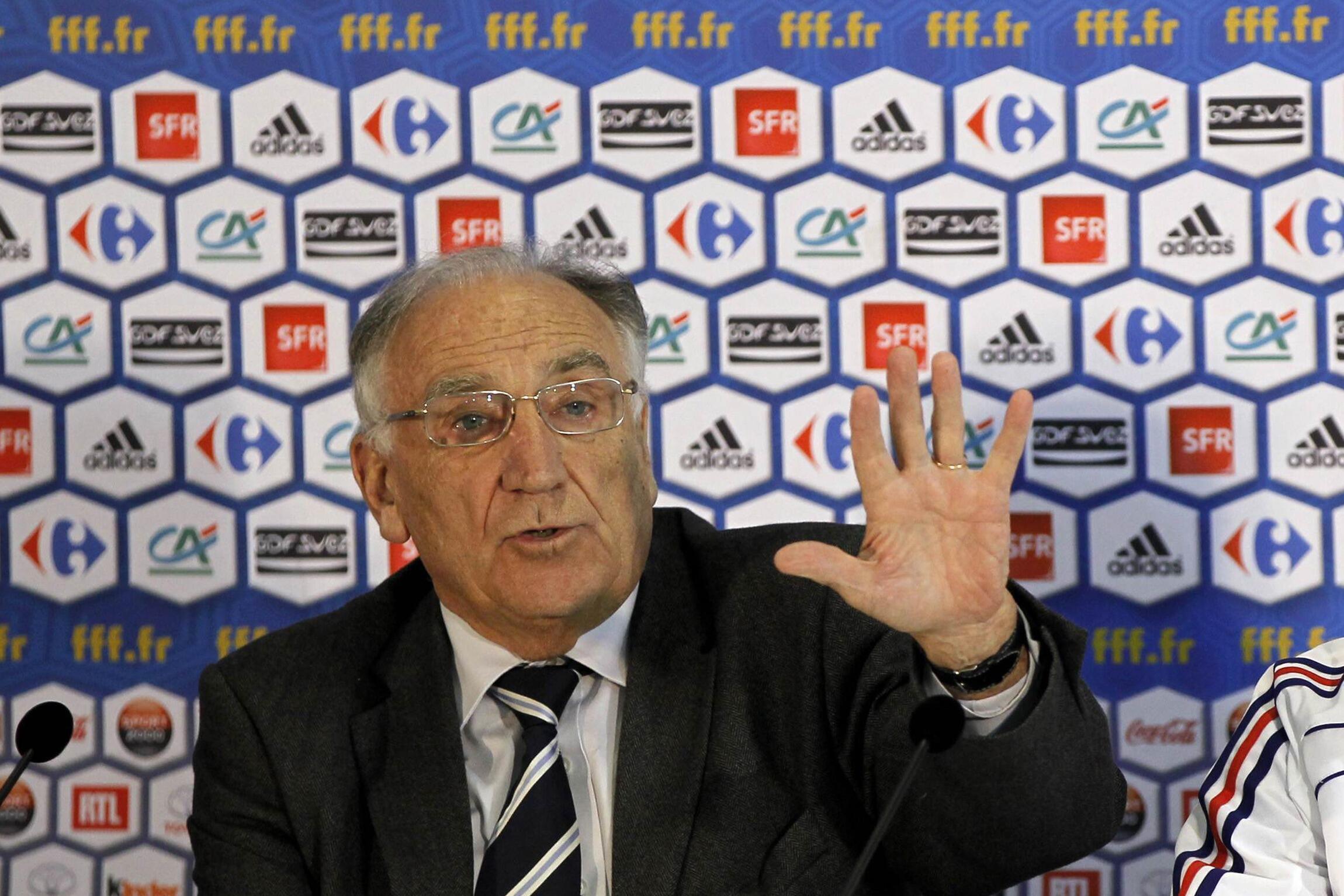 Chủ tịch Liên đoàn bóng đá Pháp Jean Pierre Escalette trong một cuộc họp báo tại Nam Phi 2010