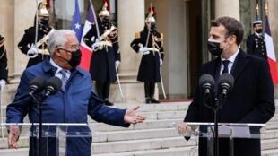 Primeiro-ministro português, António Costa, recebido pelo Presidente francês, Emmanuel Macron.