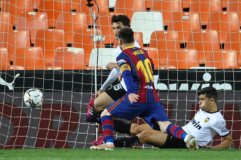 Messi yayin fafatawa da Valencia a gasar La Liga  2 ga watan Myau 2021