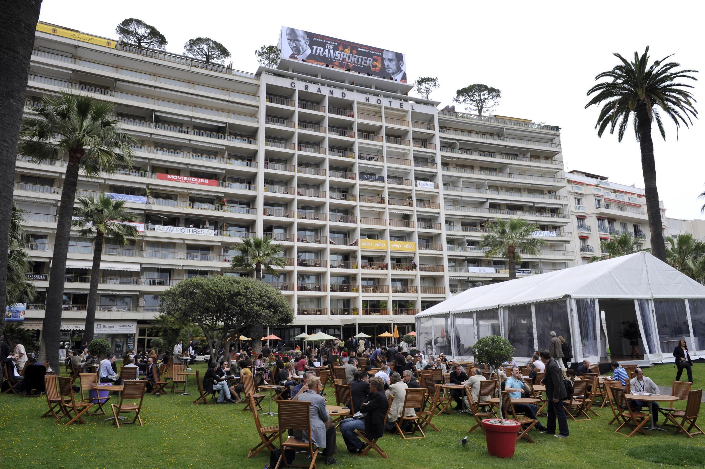 Jardim do Grand Hotel durante o 61º Festival Internacional de Cinema de Cannes em 20 de maio de 2008