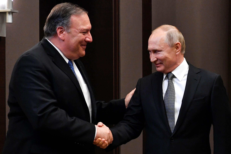 Apesar de vários encontros, como em Maio de 2019 entre o secretário de Estado dos Estados Unidos, Mike Pompeo, e o Presidente russo, Vladimir Putin, em Sochi, na Rússia, os dois países anunciaram o fim do Tratado de Armas Nucleares de Médio Alcance.