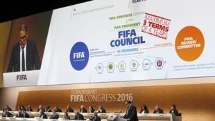 Apresentação do conjunto de reformas para a FIFA durante o Congresso Extraordinário em Zurique, em 26/02/16.