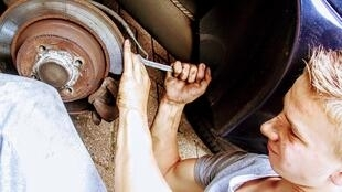 Les jeunes élèves d'ECCOFOR passent les deux tiers de leur formation dans des ateliers, notamment de mécanique (image d'illustration).