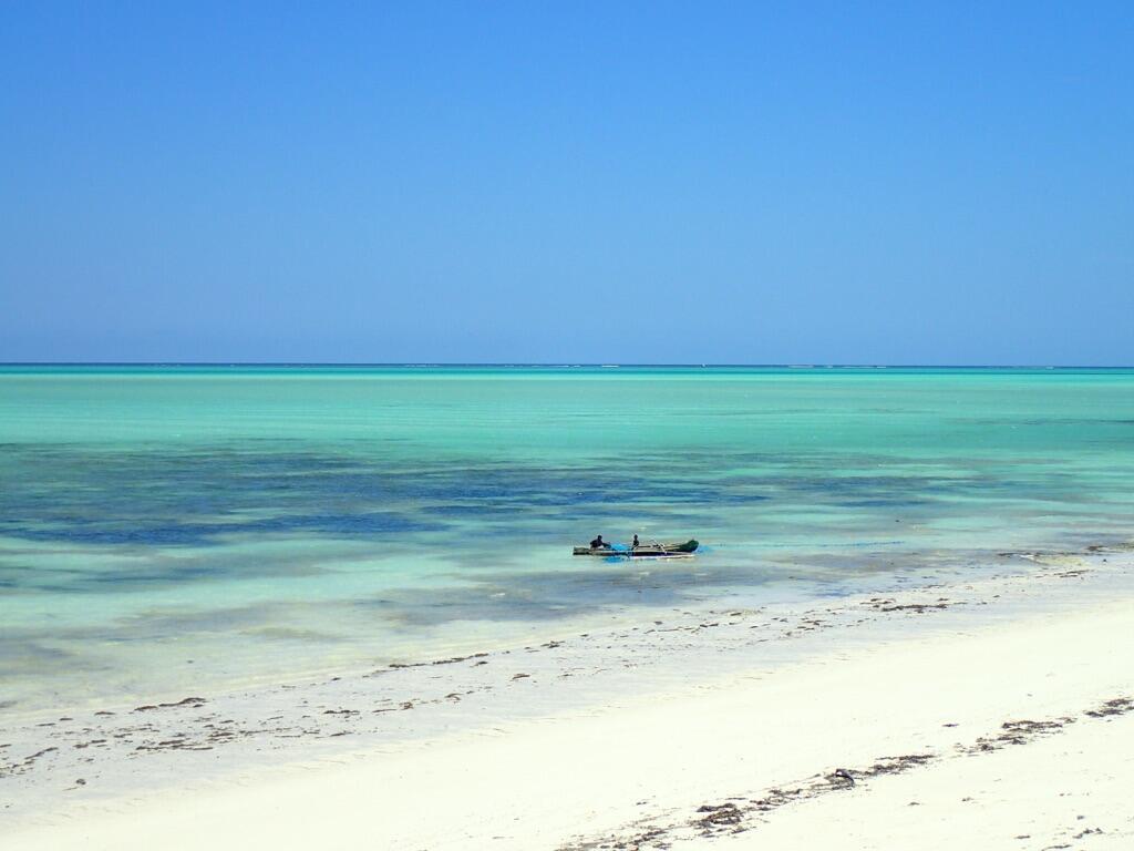 Le lagon protégé par la barrière de corail.