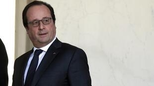 François Hollande acabou por manter a destituição da nacionalidade, tema polémico junto da esquerda francesa.