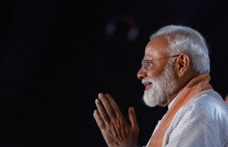 Le Premier ministre indien Narendra Modi remercie ses supporters lors d'un meeting à New Dehli, le 8 mai 2019.