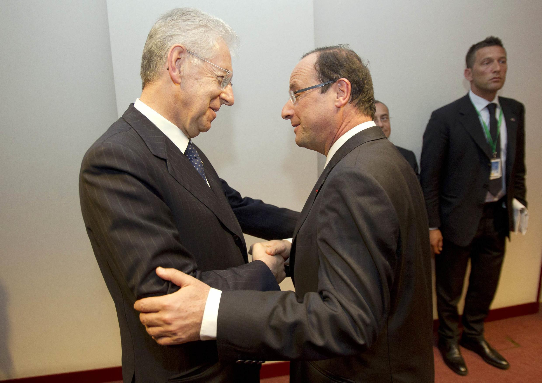 Марио Монти и Франсуа Олланд в Брюсселе 23/05/2012 (архив)