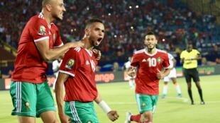 Youssef En-Nesiry célèbre son but contre la Côte d'Ivoire avec ses coéquipiers, au Caire, le 28 juin.