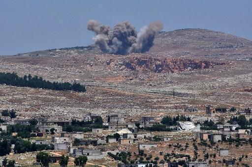 Không quân Syria oanh kích Qalaat al-Madiq, tây bắc tỉnh Hama, ngày 17/05/2019.