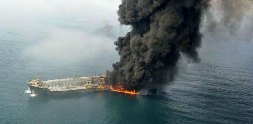 کشتی تانکر سانچی از بندر عسلویه ایران حرکت کرد و محموله آن ۱۱۱ هزار تن معیانات گازی بود که به شدت آتش گیر و مولد گاز سمی است.
