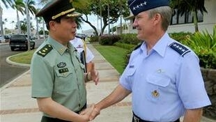 蔡英挺與美國將軍Herbert J. Carlisle在珍珠港,2012年8月