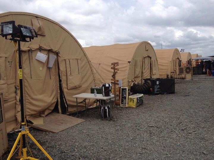 Le centre de soins américain Monrovia Medical Unit est réservé aux soignants contaminés par Ebola au Liberia.