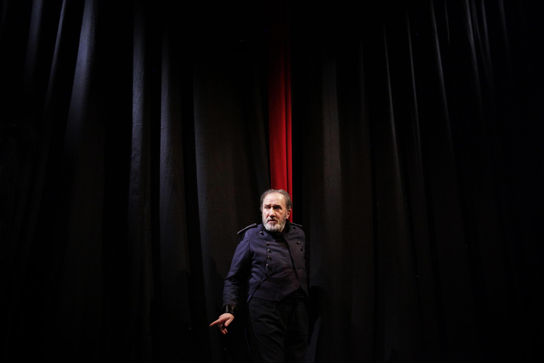 André Marcon dans «Le faiseur de théâtre» sur la scène du Théâtre Dejazet à Paris.