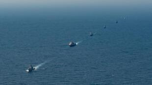 Đội chiến hạm Mỹ và ASEAN tham gia cuộc tập trận trên Vịnh Thái Lan ngày 04/09/2019. Chiếc HQ-18 của Việt Nam đi sau cùng trong đội tàu.