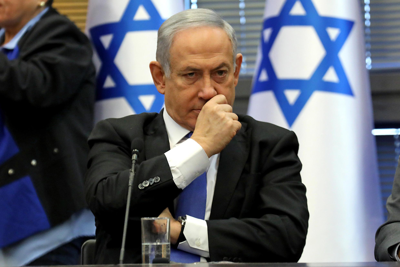 O primeiro-ministro  Benjamin Netanyahu chegou a um acordo nesta segunda-feira (20) com Benny Gantz, para formar um governo de emergência.
