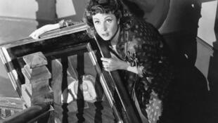 """Danielle Darrieux em """"La Vérité sur Bébé Donge"""", filme de Henri Decoin de 1952."""